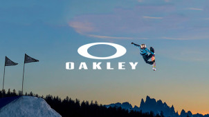 £10 Gift Card with Orders Over £60 at Oakley